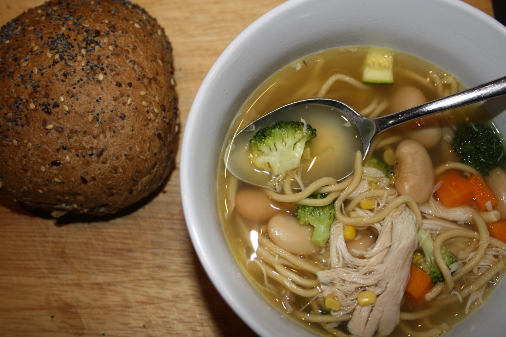 vegetable chicken noodle broth