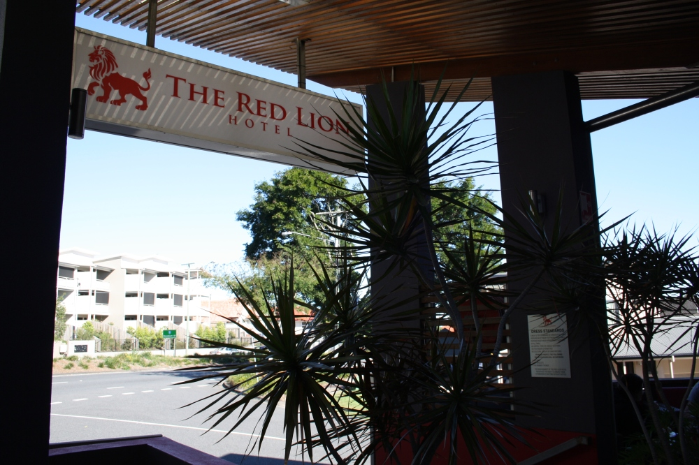 red lion hotel image